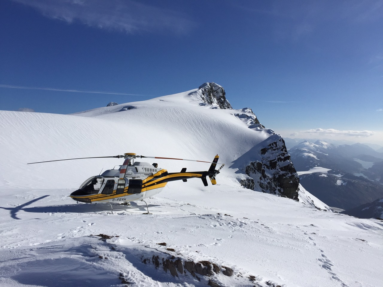 Yellowhead Helicopters Ltd. (YHL) moves to Spidertracks Flight Following System